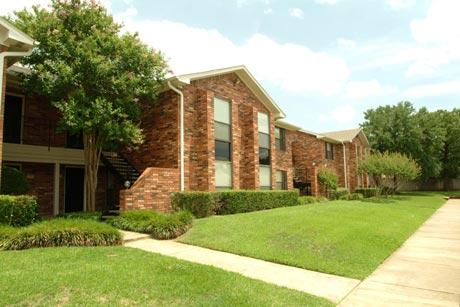 You Should Probably Read This Woodlake Apartments